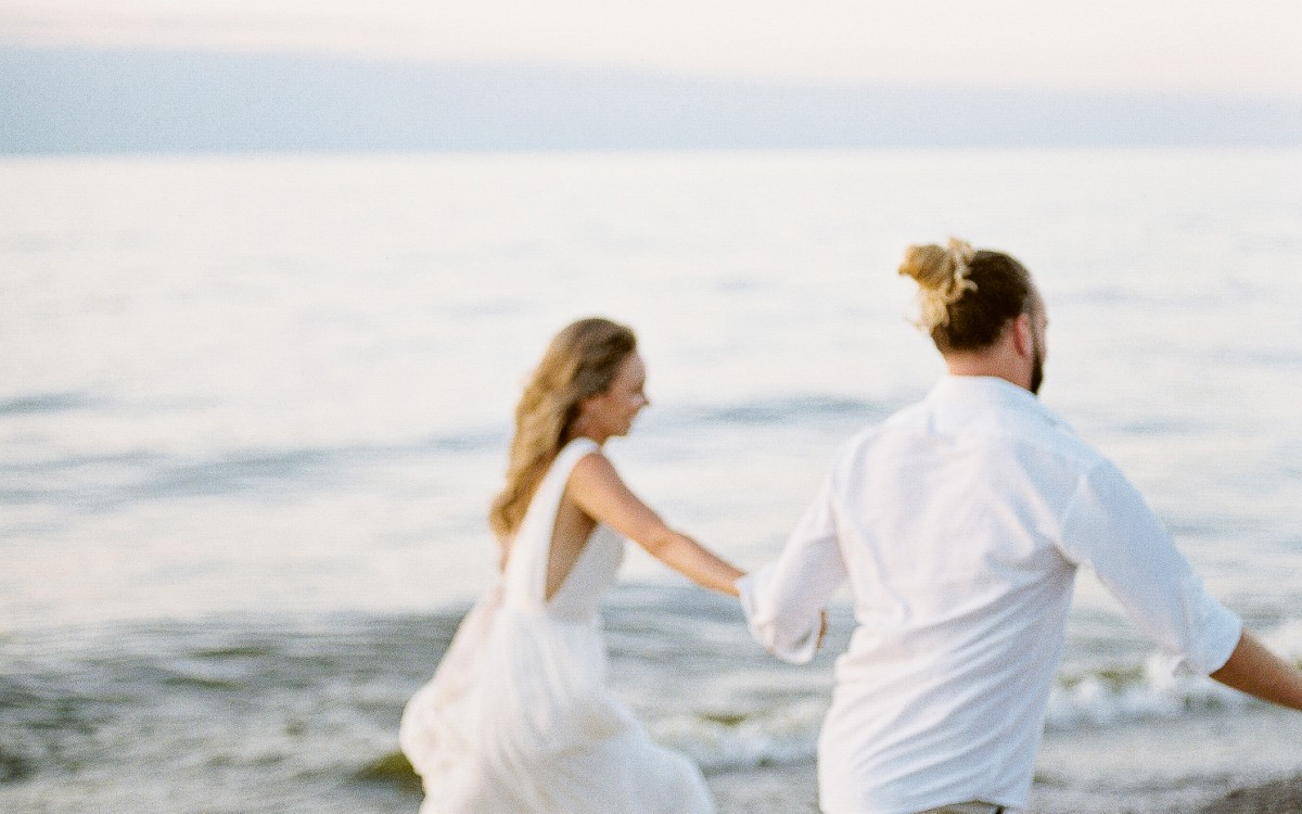ETHEREAL BEACH WEDDING INSPIRATION
