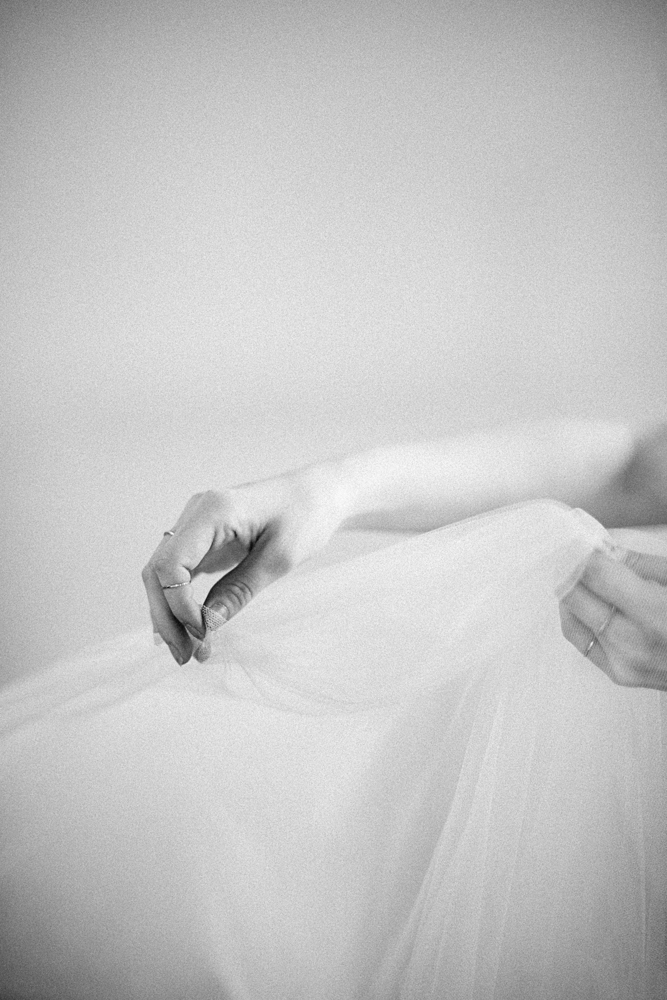 Alexandra-Elise-Photography-Ali-Reed-New-York-Film-Wedding-Photographer-SIBO-Designs-Hands-021
