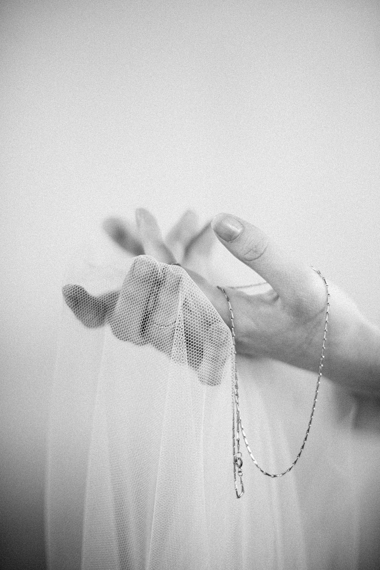 Alexandra-Elise-Photography-Ali-Reed-New-York-Film-Wedding-Photographer-SIBO-Designs-Hands-022