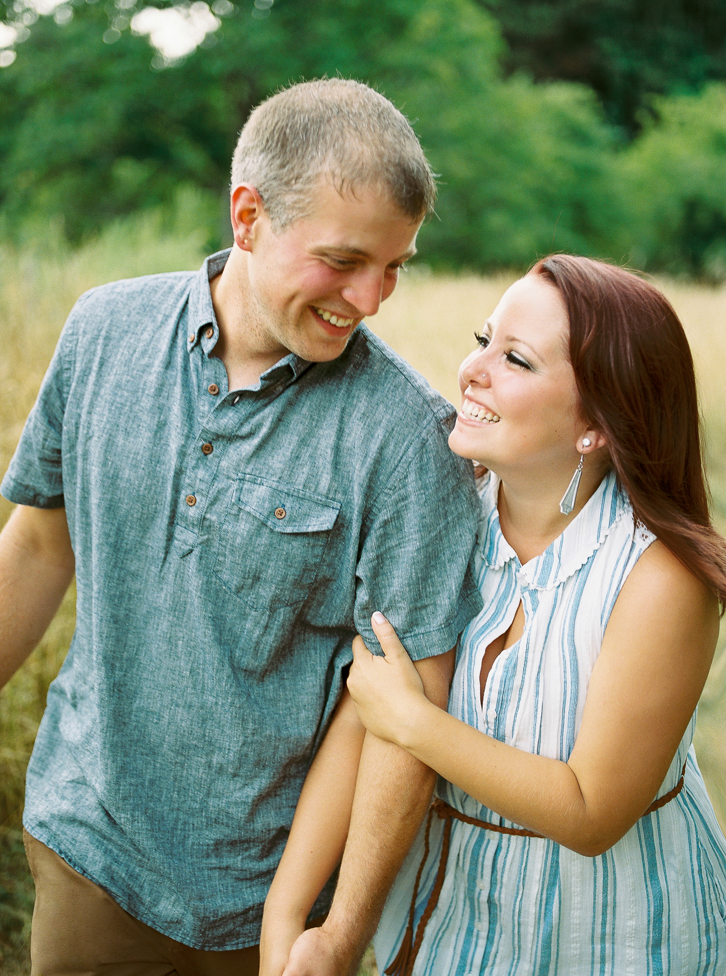 Alexandra-Elise-Photography-Ali-Reed-Film-Farm-Engagement-Session-014